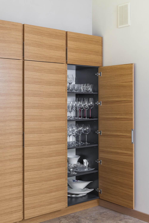 Senso Design Custom Kitchen Cabinetry