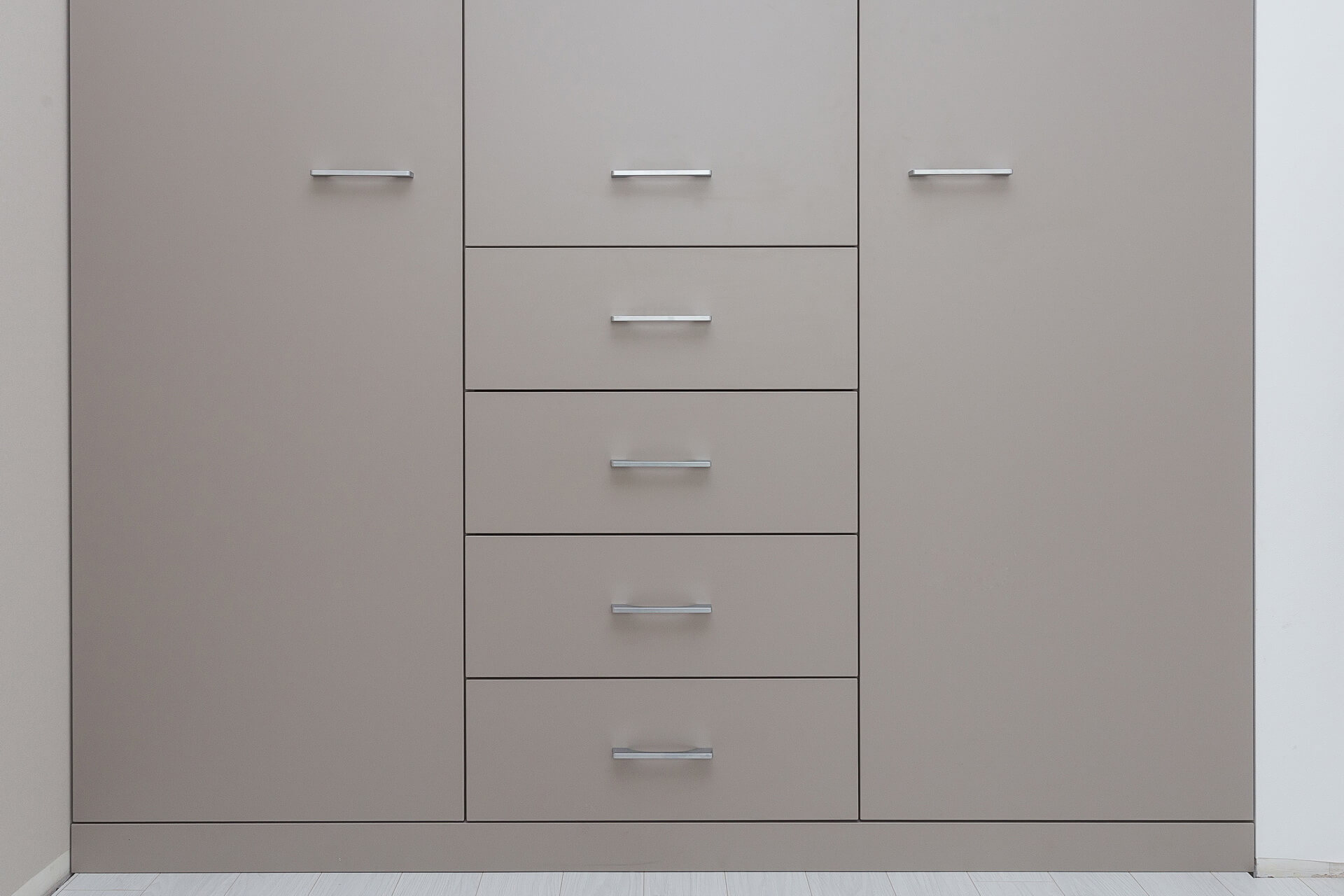 Senso Design Custom Bedroom Cabinets