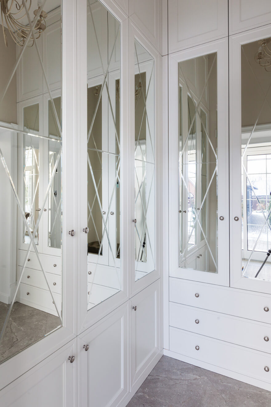 Senso Design Custom Walk-In Closet